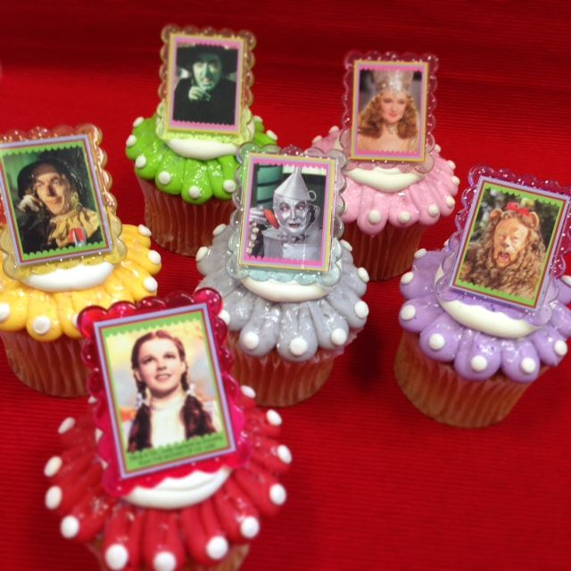 Cake Decorations For Wizard Of Oz : 1000+ images about wizard of oz on Pinterest Cupcake ...