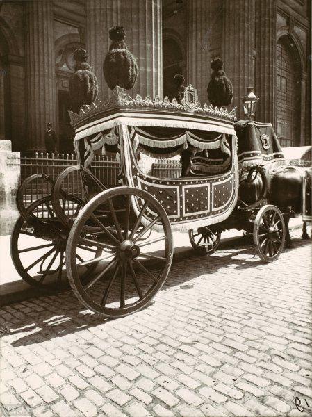Eugène Atget, voiture de pompes funèbres. 1910