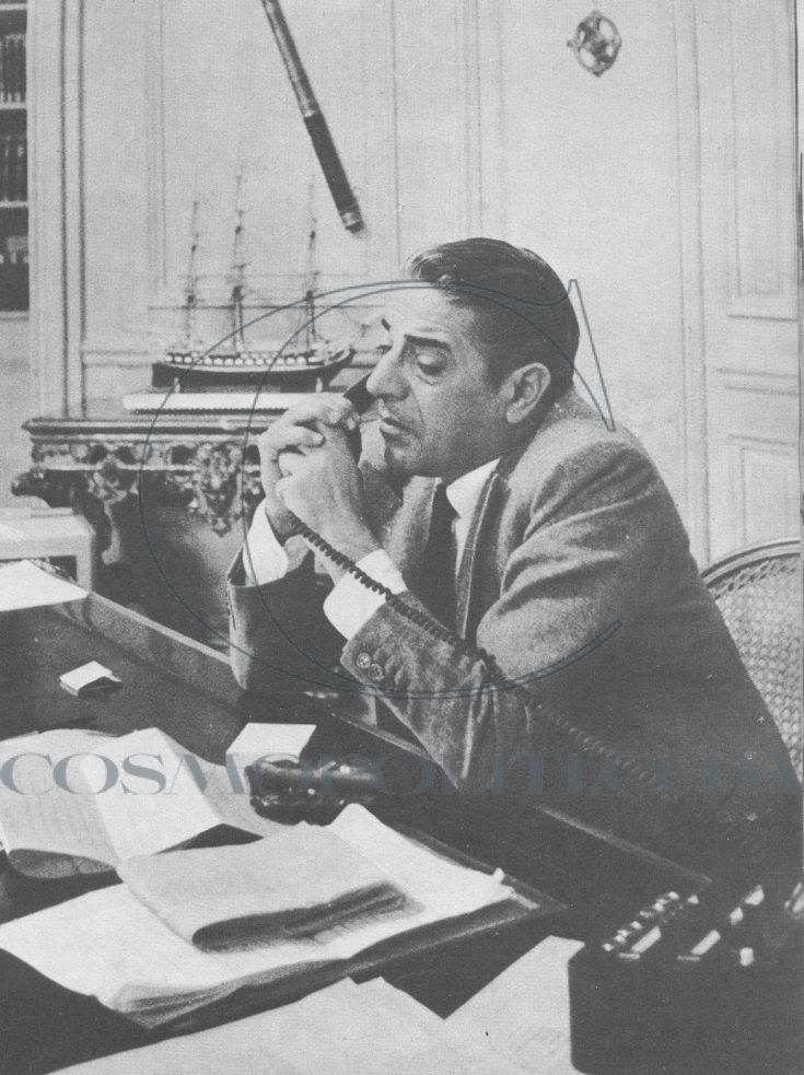 Aristotle Onassis in his office 50 years ago!