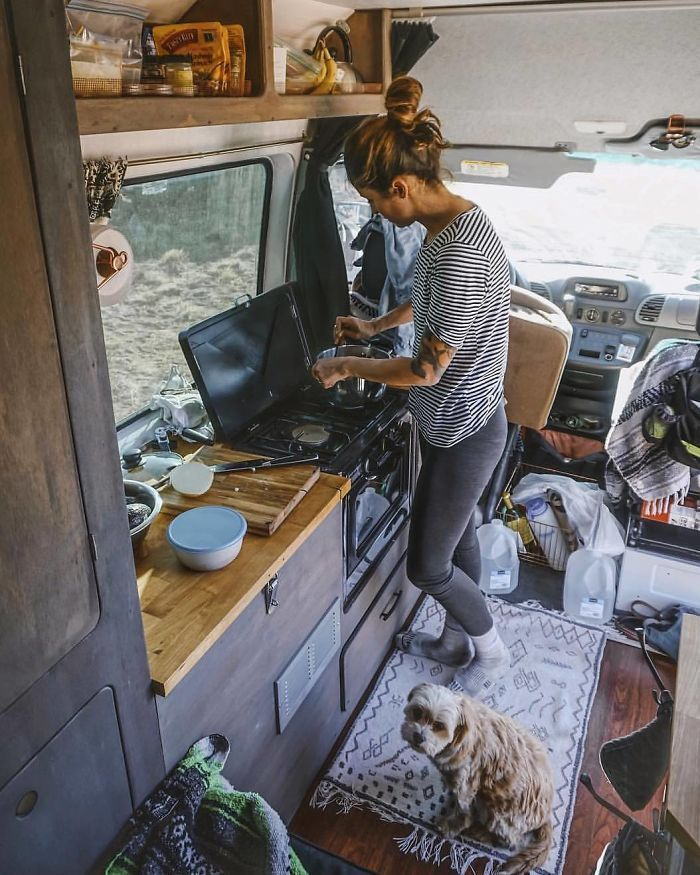 9742a1bc5d 50+ Pics From  Project Van Life  Instagram That Wivll Make You Wanna Quit  Your Job And Travel The World