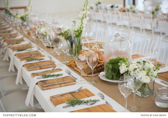 Lovely wedding table decor | Countryside Charm | The Pretty Blog