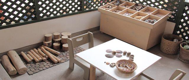 I love this creative discovery area! - from La Casa Amarilla