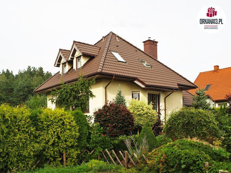 Dom wolnostojący położony w urokliwej części Stawigudy, w bliskim sąsiedztwie Olsztyna w odległości ok. 12 km od granicy miasta, 10 min. jazdy koleją do stacji Olsztyn Zach.Nieruchomość położona jest w cichym i spokojnym miejscu. Posesja...
