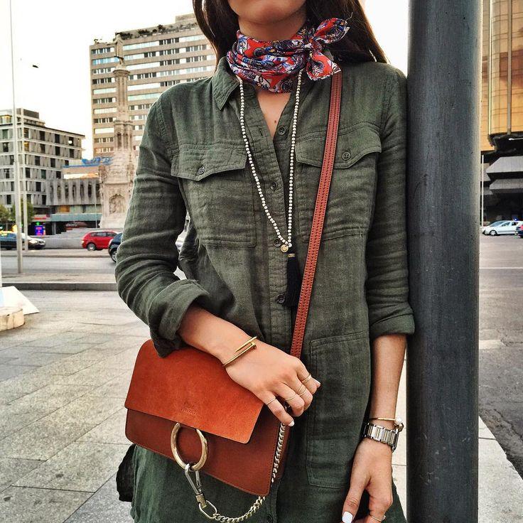 • Pañuelo Bimba y Lola: ideal para un look de otoño.
