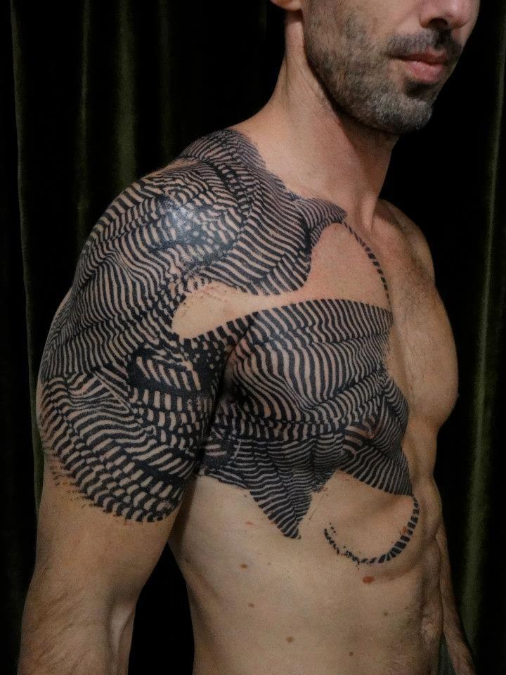 Tattoo transfert bras-poitrine