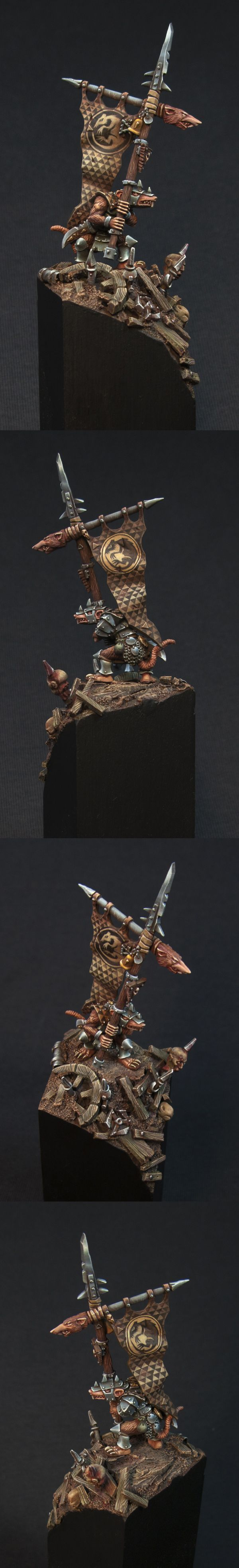 Skaven Army Standard - In The Middle