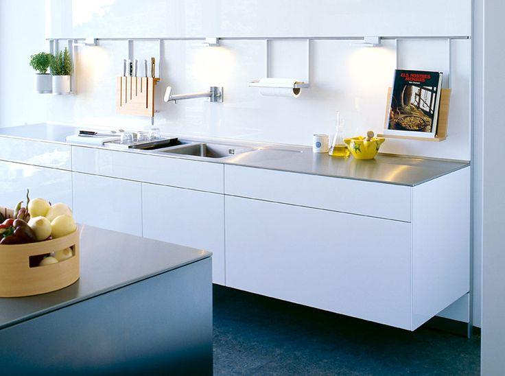 kuchnia wisząca B3 81 biała panele szklane  biały lakier