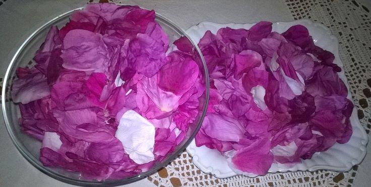 Mydło i powidło.: Konfitura z płatków róż