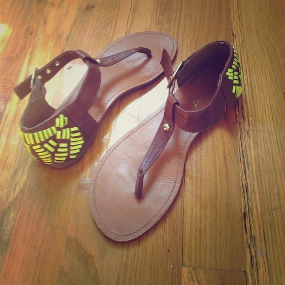 Neon Tribal Yellow Sandals Perfect for summer, these neon sandals really get noticed when you walk by ppl  worn a few times but slightly big on me and my feet are narrow so these sandals fit better for flat feet! I love to wear them at night, get so many comments! bamboo Shoes Sandals