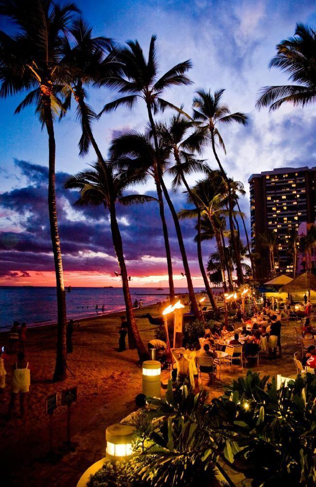 Rumfire Bar at Waikiki has the best views in town. Picture: Hawaii Tourism. #hawaii #honeymoon