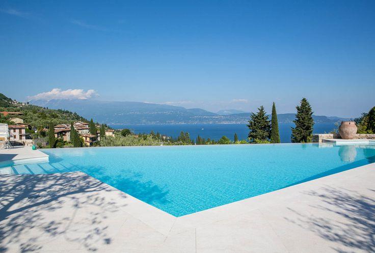 Mediterranes Wohnen: Finden Sie Ihr Haus am See