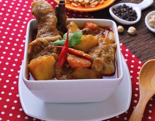 POLLO caribeño con canela, ron y azúcar morena - Recetas http://www.estampas.com/cocina-y-sabor/recetas/071227/pollo-caribeno-con-canela-ron-y-azucar-morena
