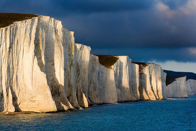 travelthisworld:  Seven Sisters ♦ Cuckmere Haven, Sussex, England   by Alan Mackenzie