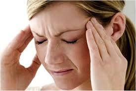 La cefalea es la causa más frecuente de consulta médica. El dolor de cabeza puede tener multitud de causas, desde el estrés, ansiedad o tensión hasta un tumor cerebral. Lo más común es que sea debido a tensiones o estrés, aunque también puede ser causado por resfriados, síntomas del síndrome premenstrual, etc. Referencia: Fernández Concepción, O., & Pando Cabrera, A. (1999). Diagnóstico de las cefaleas. Revista Cubana de Medicina General Integral, 15(5), 555-561.