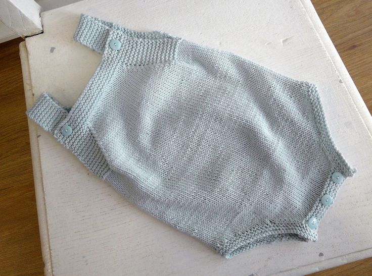 Baby romper, knitted at Doquilts classes.  #romper #cottonyarn #iceblue #glacier #babyromper #baby #romper