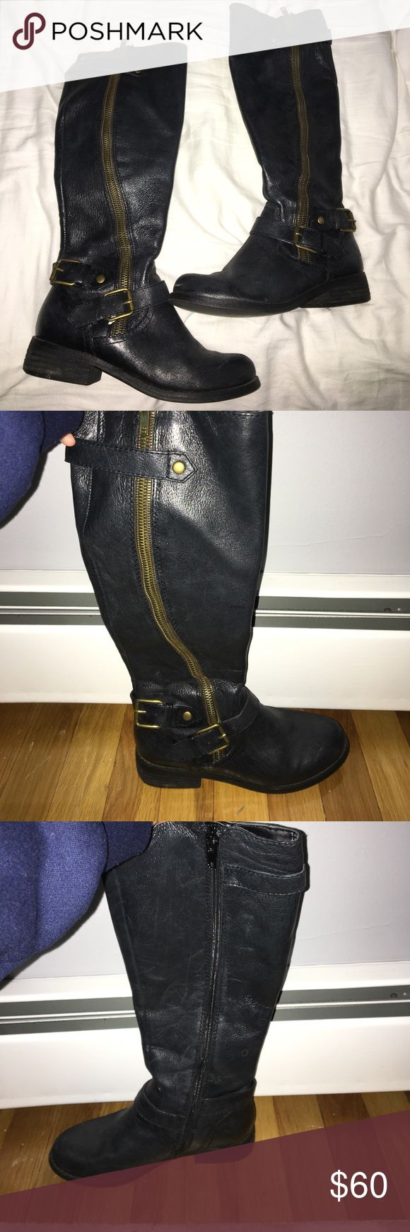 Steve Madden black boots * PRICE DROP * Classic black bellow the knee Steve Madden boots. Gold zipper and buckles. Best for a smaller calf, barely ever worn.. PERFECT CONDITION Steve Madden Shoes Over the Knee Boots
