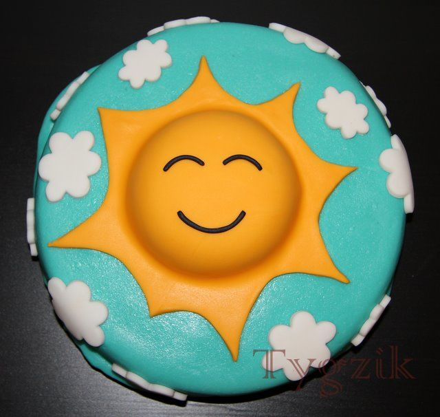 Sun cake - simple, round cake with cute basic design on top
