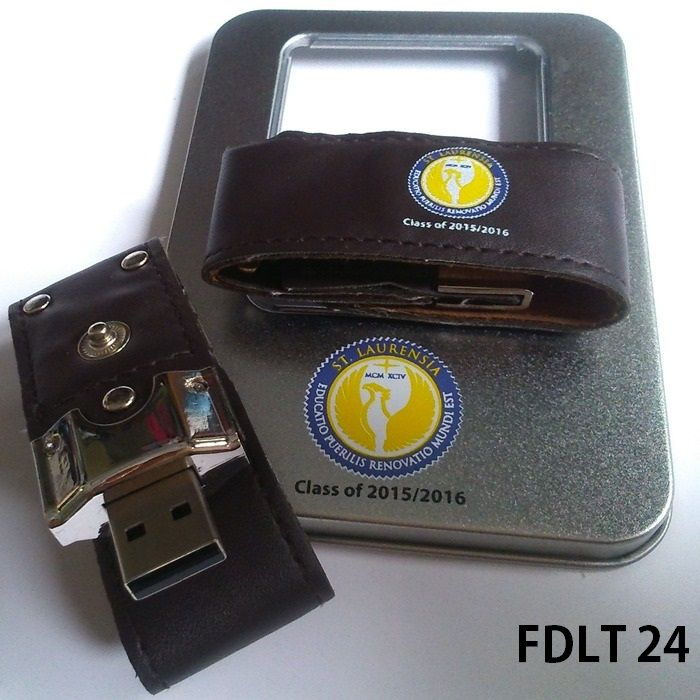 Flash Disk leather with studs. It is the ideal way to carry your data. It does not even look like a traditional USB flash drive, so no worries will be confused or forgotten. Ideal as a souvenir for the graduation of the students in your school. As the picture above flashdrive FDLT24 for souvenirs at the graduation ceremony of the academic year in 2015 and 2016 ordered by Santa Laurensia School, Tangerang, Banten, Indonesia.