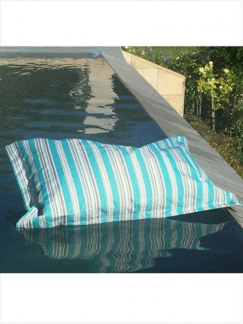 The Original Pool Pillow - http://www.rubyroadafrica.com/shop-online/gifts-for-home-and-garden/buy-luxury-gifts-for-the-home/the-original-pool-pillow-detail