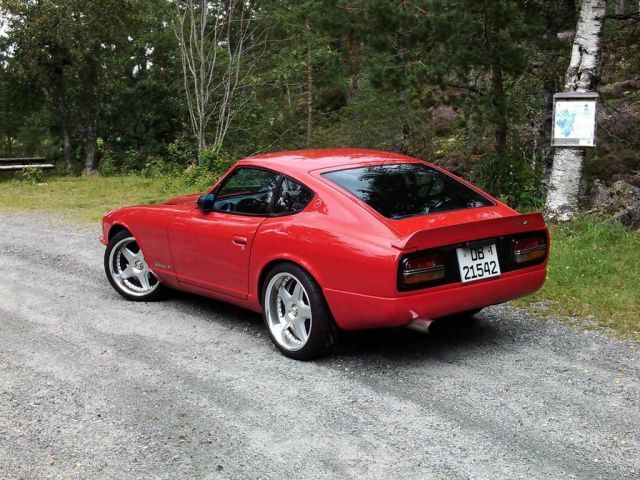 Red 240z bing images for Mobilia 1970