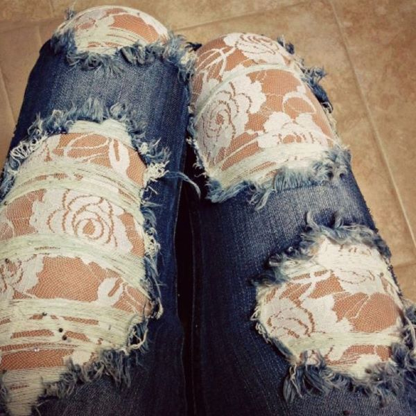 Sticking a pair of decorative tights on under a pair of holy jeans is a great idea when you want to make holes look just a tiny bit more dressed-up or just really eye-catching.