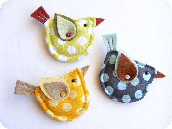 try fish; Fabric and felt bird brooch. Polka dot yellow, blue or green bird brooch