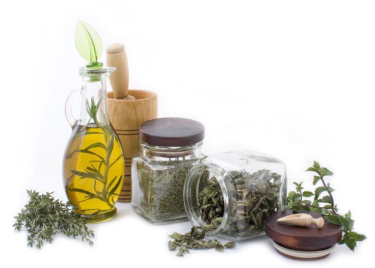 herbs-essential-oil.jpg (800×572)