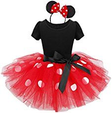 Easy DIY no sew Minnie Mouse costume with full instructions that is sure to please any Disney fan!