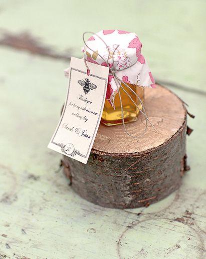 Honiggläser - Wie wäre es statt Marmelade mit leckerem Honig als Gastgeschenk? Hinterlassen Sie einen besonders süßen Eindruck bei Ihren Gästen!
