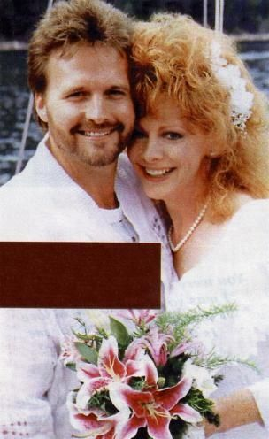 433 best images about celebrities weddings on pinterest for Who is reba mcentire married to now
