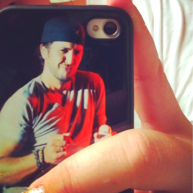 A Luke Bryan phone case?! I want this so bad!!