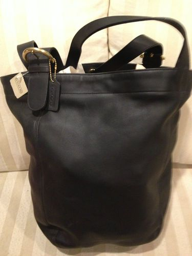 this was my favorite coach travel bag for about 10years... :)