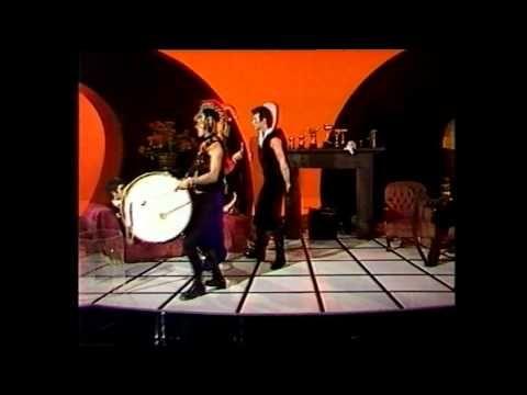 Skyhooks - Ego Is Not A Dirty Word (Paul Hogan Show) 1975 - YouTube