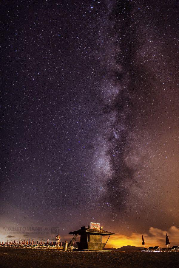 Milky Way over Fuerteventura Island: http://hdrphotographer.blogspot.com/2013/12/milky-way.html