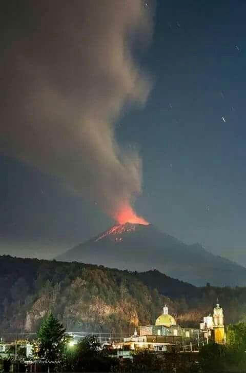 Best VOLCANIC ERUPTIONS Images On Pinterest Lava Volcanoes - 14 amazing volcanic eruptions pictured space