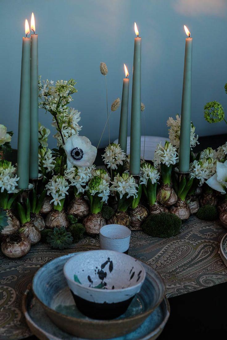 När det luktar hyacinter vet en att det är ok att börja längta efter julen. En gammal av många ratad lök som fått sin revansch är den blå hyacinten. Eller varför inte en röd tillsammans med röda amaryllisar och julstjärnor. I går var jag på en inspirerande pressvisning hos Gouteva i Malmö. Det var Blomsterfrämjandet …