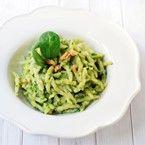 Trofie con pesto di spinaci e noci