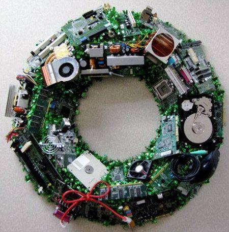 geek-wreath.jpg: Christmas Wreaths, Computers, Holidays, Tech, Diy, Craft Ideas, Computer Parts