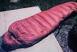 How to make your own sleeping bag - weighing less than 2 lbs - for less than $90! (at least it was back in 1999.)  Awesome!  Can't wait to try!