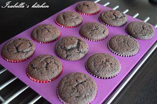 Izabella`s kitchen: Deserturi Oreo cupcakes