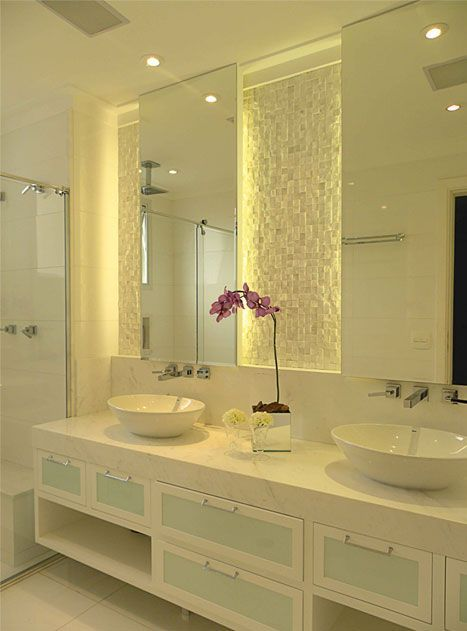 Os Espelhos para Banheiros são itens indispensáveis na decoração do banheiro, explore 55 fotos lindas e inspiradoras que serão exemplos pra você.