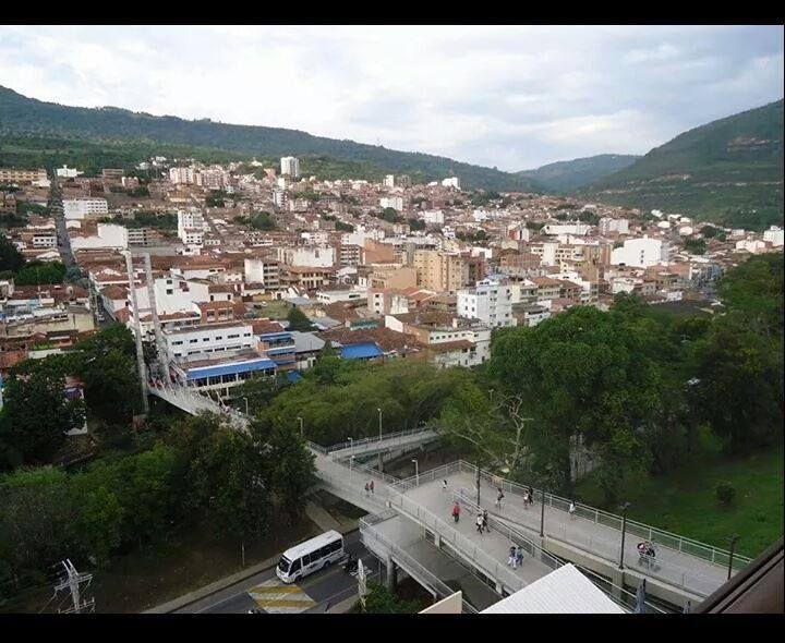 San Gil Santander vista desde el centro comercial el puente 2