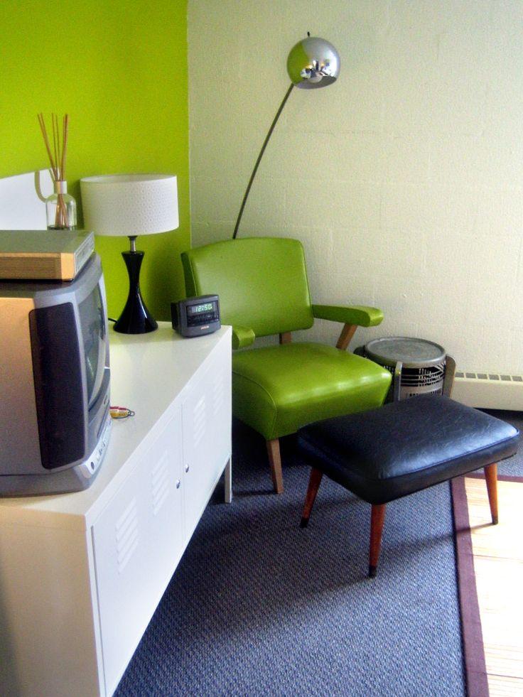 Dorm room decorating ideas decor essentials dorm room for Room decor essentials