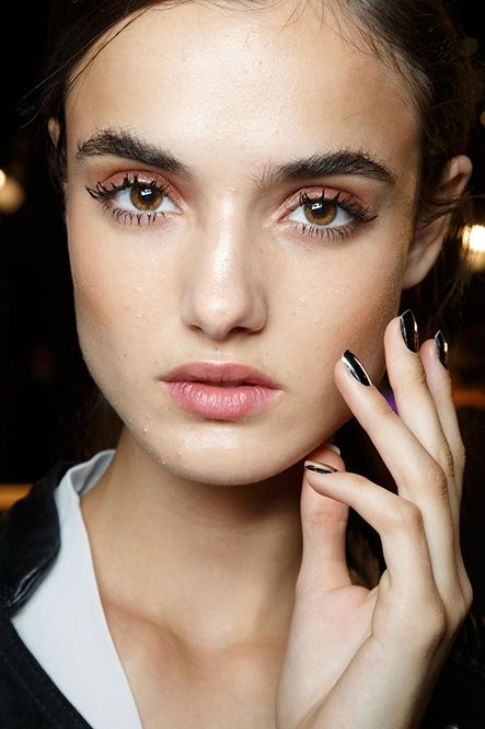 { Major Statement Lashes Were All Over the Spring Runways | Beauty Blitz }