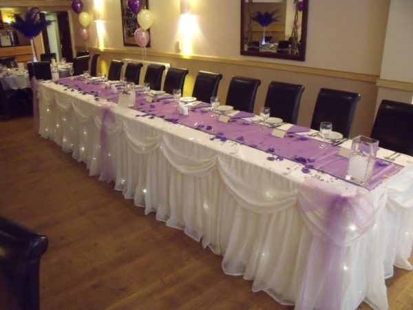 Pretty Tulle Table Skirt W/ Lights Under. So Nice For The Bridal/groom  Party At The Reception