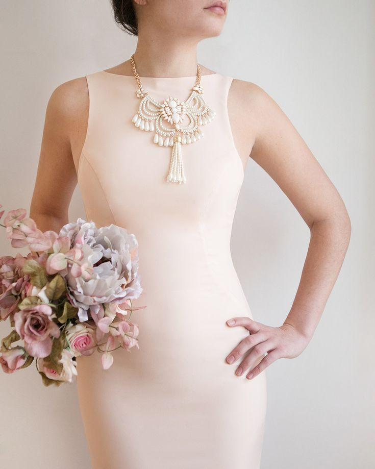 Elegantly yours 💫 Vivva champagne dress Augustifolia necklace #boudoir1861 #wedding #weddinginspiration #boho #getinspired #vintage #bridesmaids #bride #decoration #dress #elegant #beautiful #whitedress #vintagedress #simpledress #pretty #white