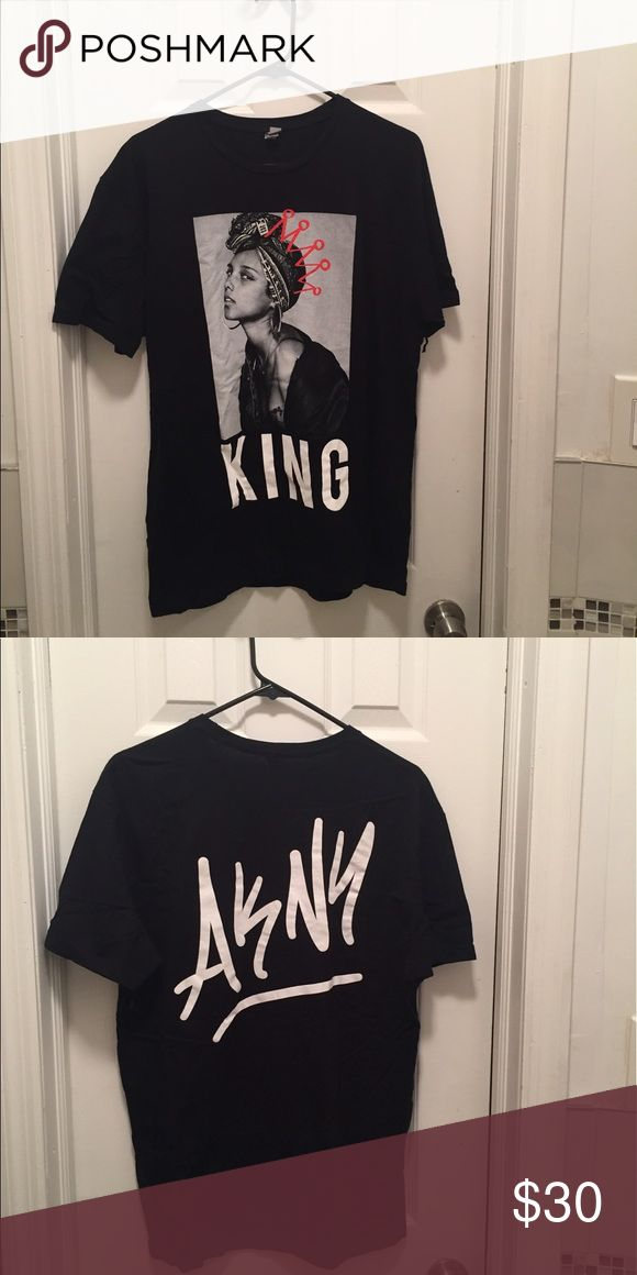 Alicia Keys Graphic KING/AKNY T-Shirt This Alicia Keys graphic tee shirt was sold at a one night only concert at the Apollo theatre in Harlem NY. She has them on her website for a higher price. Tops Tees - Short Sleeve