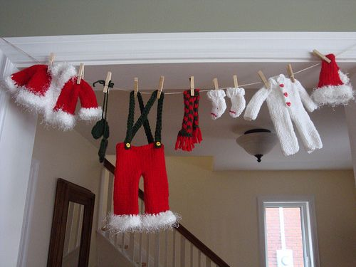 Santa's Clothesline Garland pattern by Rhonda Brewer