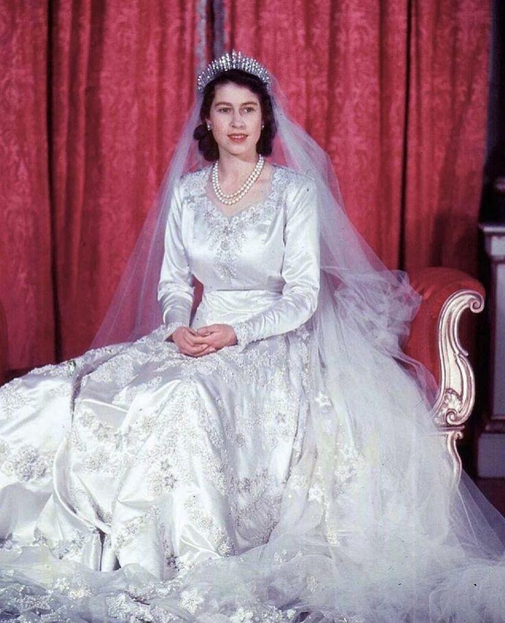 Queen Elizabeth Wedding Gown: 21 Best Princess Anne's Wedding Dress Images On Pinterest