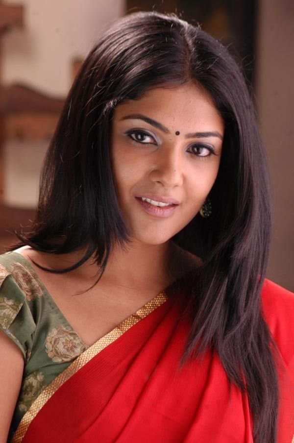 Tollywood Actress Hot In Red Saree Kamalinee Mukherjee